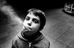 Пугающие картинки на пачках сигарет неэффективны – ученые