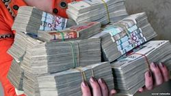С учащихся школ Узбекистана собирают деньги, чтобы не отправлять на хлопок учителей