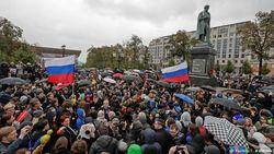 Почему провалилась акция Навального – мнение Плющева