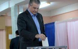 Аксенов сообщил о высокой явке на референдум в Крыму
