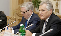 Миссия Кокса-Квасьневского в Украине может быть продлена