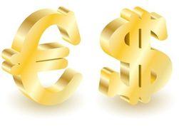 Курс евро на Forex начал неделю со снижения к доллару