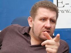 Правы ли политологи, что Евромайдан разойдется, как только снимут Азарова