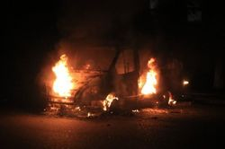 В Артемовске из БТР-ов обстреляли штаб местных террористов