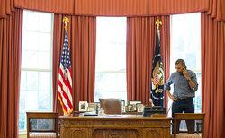 Барак Обама более часа обсуждал с Путиным ситуацию в Украине
