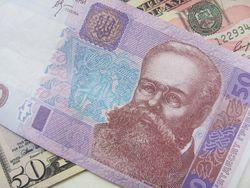 Курс гривны падает к франку, евро и иене