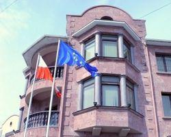 Польша срочно эвакуирует сотрудников консульства в Севастополе