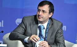 Рубль может упасть еще на 10-15 процентов – Гуриев