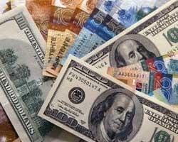Курс тенге на Форекс падает к доллару, евро и фунту