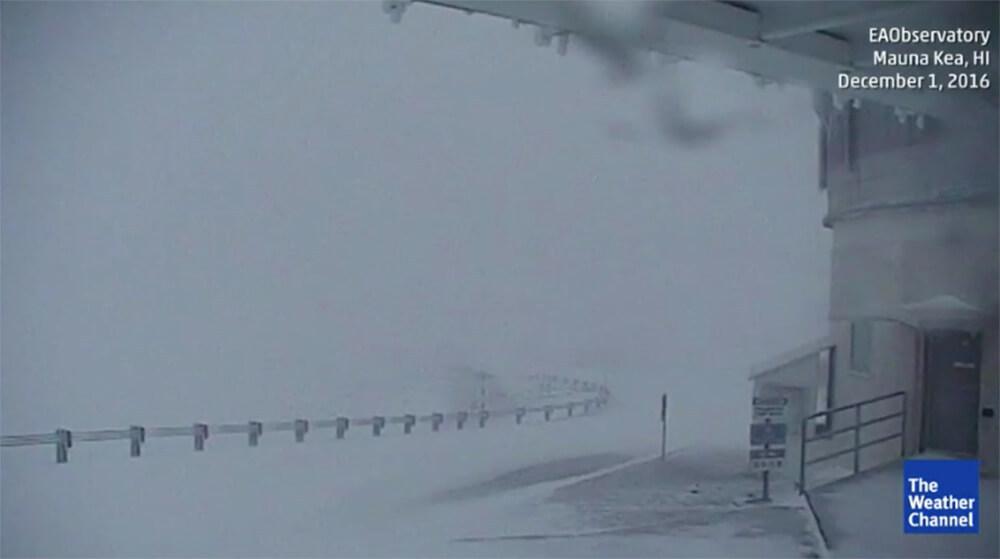 Склоны вулканов наГавайях засыпало снегом