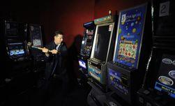 Олег Ляшко в Василькове разгромил еще 2 нелегальных зала игровых автоматов