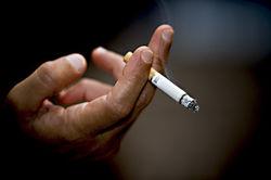 Россияне взбунтовались против очередного повышения цен на табак