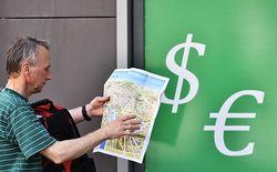 Официальный курс доллара впервые в мае превысил отметку 52 рубля