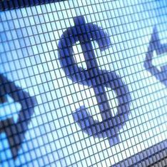 В РФ остановили работу три автозавода из-за падения курса рубля к доллару на Форексе