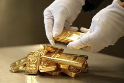 Цена на золото на бирже продолжает снижаться