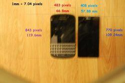 Sony Xperia i1 Honami Mini на одном снимке с BlackBerry Q10