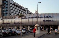 В аэропорту Каира искали бомбу в посылке для США