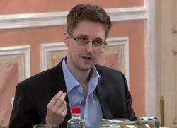 ЦРУ в курсе о каждом из нас – Сноуден