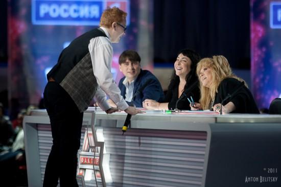 Пугачева назвала молодых певцов бездарями.
