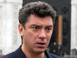 Почему Стенина хоронили с почестями, а погибших десантников тайно – Немцов