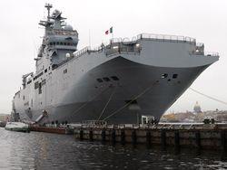 Франция передаст России вертолетоносец «Мистраль» 14 ноября – Рогозин