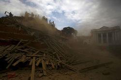 В Непале объявили ЧП – число жертв достигает 1450 человек
