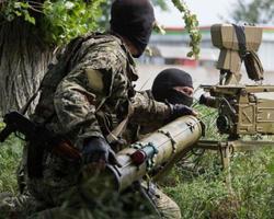 С 6 часов вечера воскресенья боевики 40 раз обстреляли позиции сил АТО