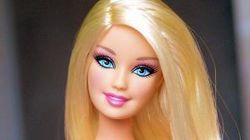 Как кукла Барби приспосабливается к новым условиям