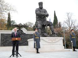 Зачем Путину царские статуи – мнение Шелина