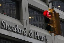 Эксперты Standard & Poor's подняли кредитные рейтинги Греции
