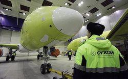 Российский авиалайнер SuperJet-100 жалуется на санкции