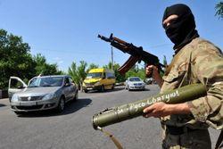 Атака боевиков: центр Амвросиевки частично разрушен