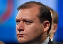 Добкин высмеял в Твиттере избитого депутата Ильенко