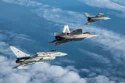 Войска НАТО наращивают боевую мощь на территории Литвы