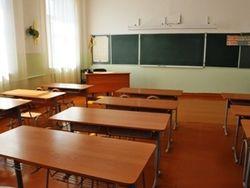 МОН ответило Азарову: для выпускников педвузов нет нормальных вакансий