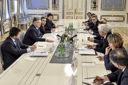 Министры-реформаторы должны остаться, Кабмин срочно обновить – Порошенко