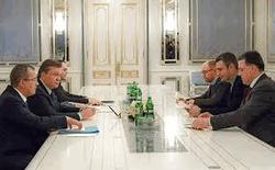 Встреча президента с лидерами оппозиции
