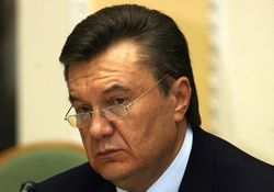 Янукович завтра будет разговаривать с оппозицией