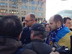 Яценюк и Кличко пообщались с активистами Евромайдана в Мюнхене