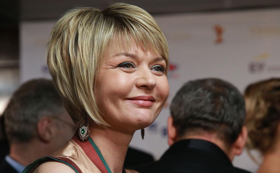 Юлия Меньшова закрывает свое ток-шоу «Наедине со всеми» на ...