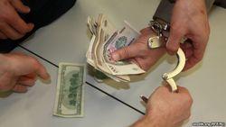 Облавы на черных рынках обмена валюты в Узбекистане