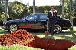 Миллионер из Бразилии решил, чтоб похоронили его вместе с Bentley (ЯН)