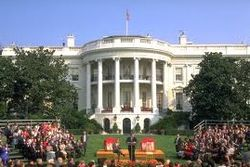 Вашингтон заговорил о санкциях украинской оппозиции