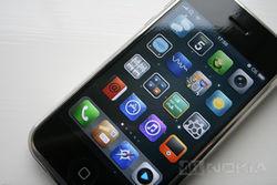 Аналитики гадают, удастся ли Apple продать в первый день миллион iPhone 5C