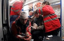 Врачи на месте оказывали помощь раненым в Киеве