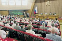 Чиновники Крыма не спешат расставаться с украинскими паспортами