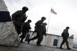 Мир смотрит в YouTube, как в Крыму избивают и грабят журналистов