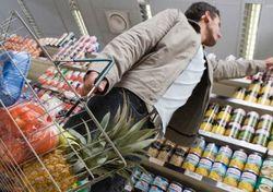 Правительство Беларуси обещает снизить долю импортных товаров