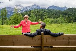 Миротворческие усилия Путина в Донбассе недостаточны – Меркель и Олланд