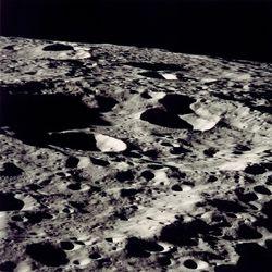 Землянам следует уже сейчас решить вопрос недвижимой собственности на Луне